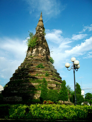 Laos - Vientiane - Black Pagoda - Photo: (c) Theera Chimpala
